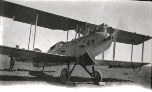 Scholefield Qantas Plane Longreach 1920s possibly G-AUED DH9c (from personal collection)